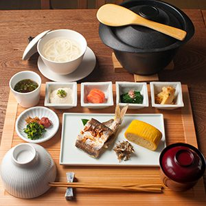 【1泊2食】旬の地物と郷土料理「島ごはん」プラン